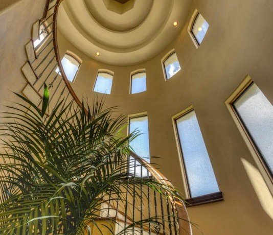 Round Ceiling with Stairs