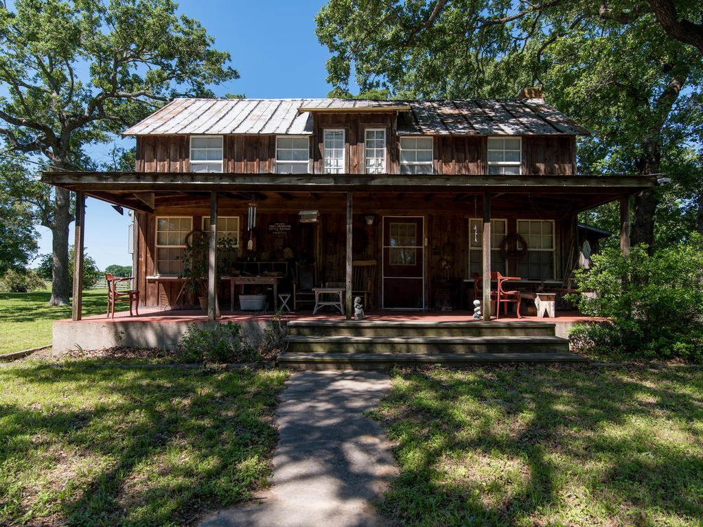 5245 CR 326, Lexington, TX 78947