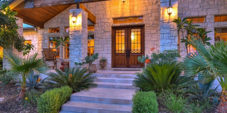 008_Front Entry