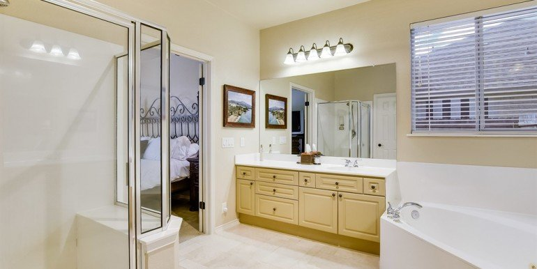 023_master-bathroom-2